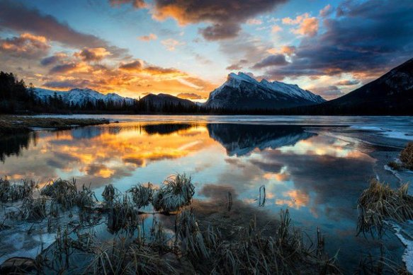 Sunrise at Vermillion Lakes, Canadian Rocky Mountains | Photography by ©Bob Bittner
