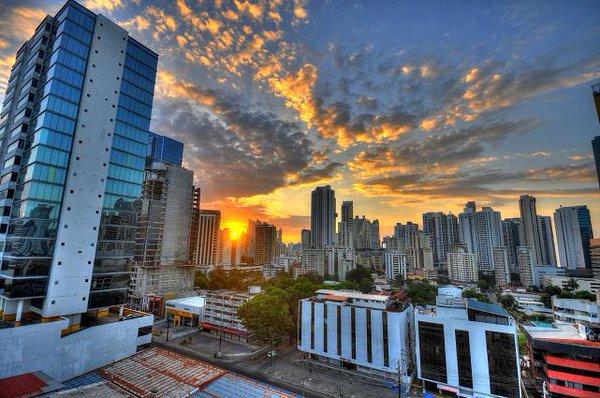 Sunrise in Panama City | Photography by ©Thinbault Houspic ...