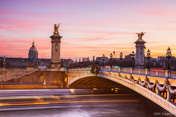 pink-dusk-on-pont-alexandre-iii-in-paris-france-photography-by-loic80l