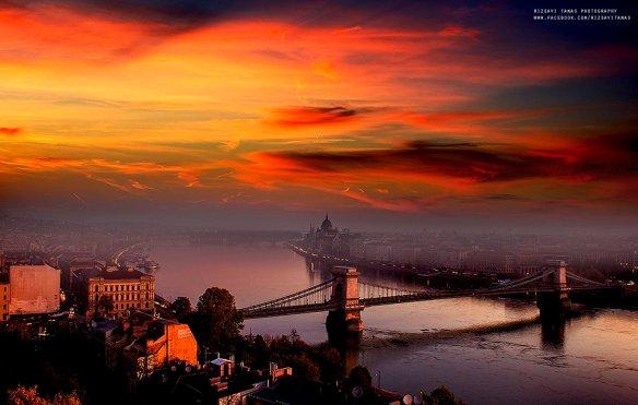 sunrise-over-budapest-hungary-photography-by-rizsavi-tamas