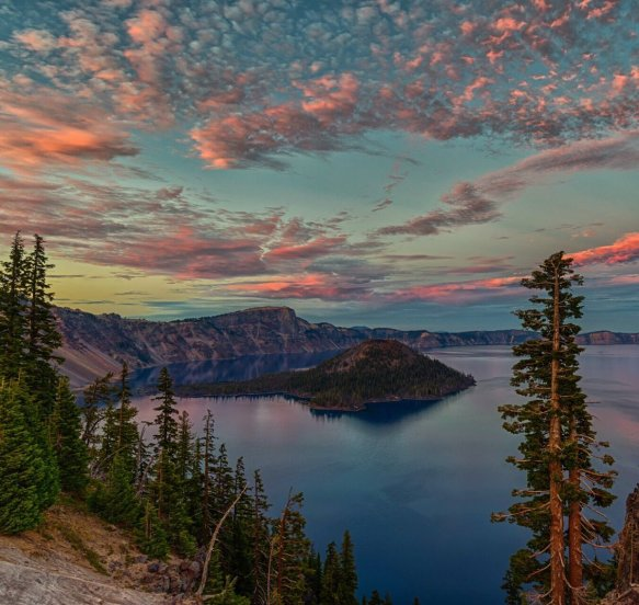 sunset-at-crater-lake-oregon-photography-by-jeff-c-bryant
