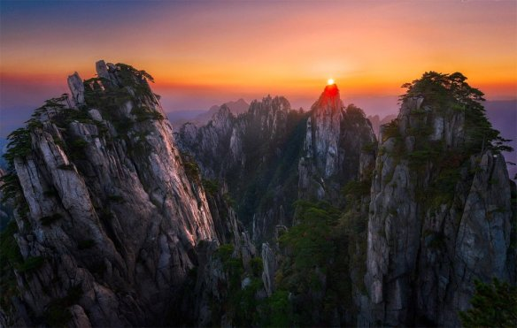 sunset-over-huang-shan-china-photography-by-joshua-zhang