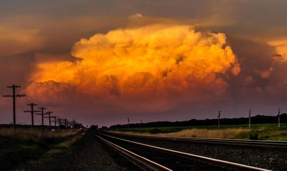 nice-updraft-at-sunset-looking-east-in-western-new-england-photography-by-matt-crowther