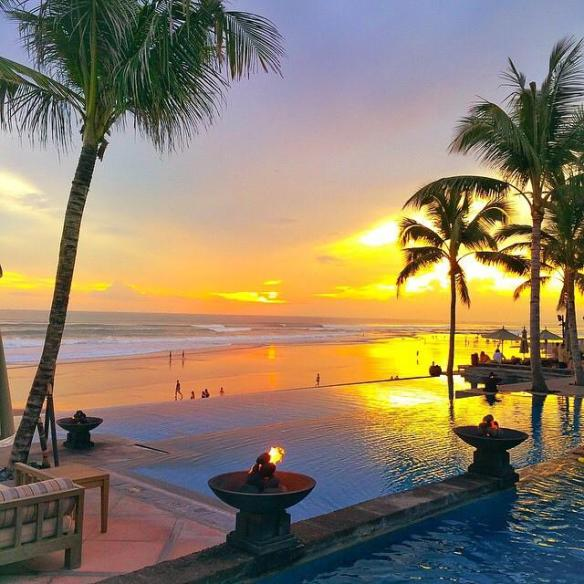 sunset-at-the-legian-bali-indonesia-photography-by-putu-yuliatini