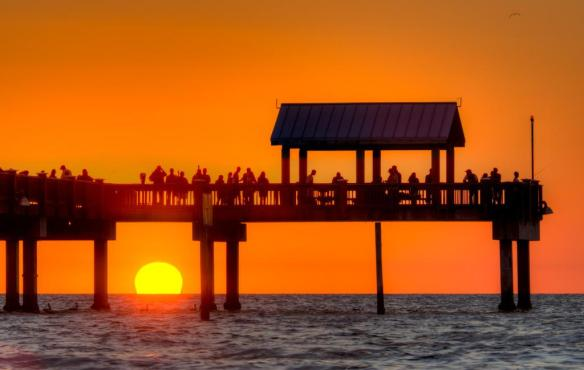 sunset-at-the-pier-photography-by-matthew-paulson