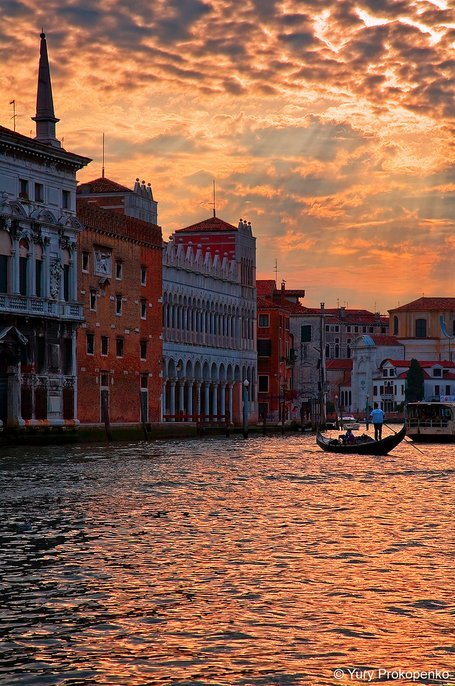 sunset-over-grand-canal-venice-italy-photography-by-yury-prokopenko