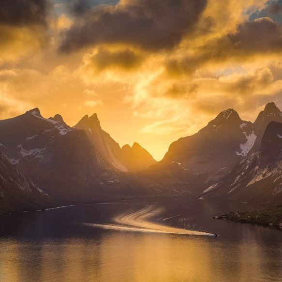 the-farthest-of-the-fjords-kjerkfjorden-norway-photography-by-janne-kahila