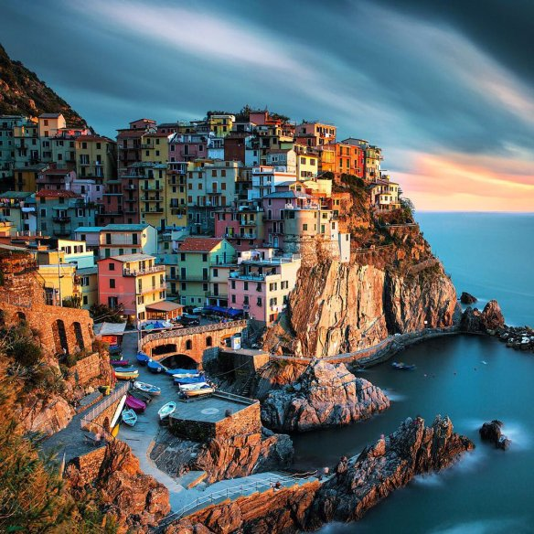 a-thousand-colors-in-manarola-italy-photography-by-ilhan-eroglu