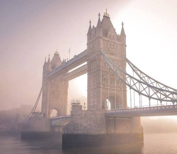 early-morning-in-london-photography-by-paul-arnfield