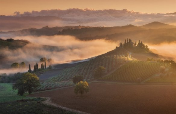 river-of-clouds-italy-photography-by-daniel-korzhonov