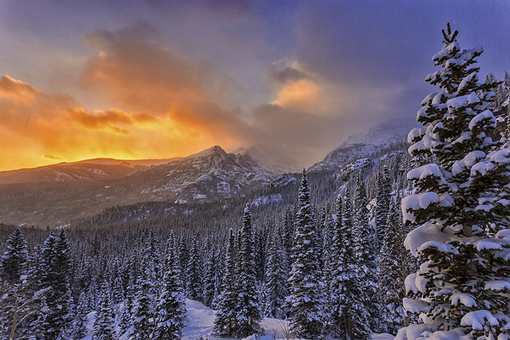 Sunrise over the snowy mountains, Colorado | Photography ...