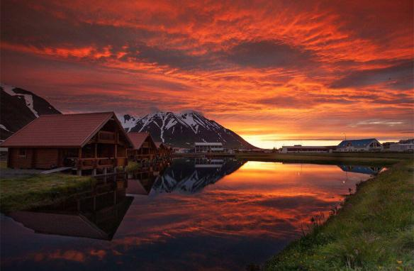 sunset-over-olafsfjordur-iceland-photography-by-gisli-kristinsson