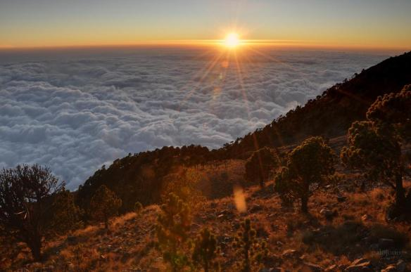 sunshine-over-a-sea-of-clouds-photography-by-jono-hey