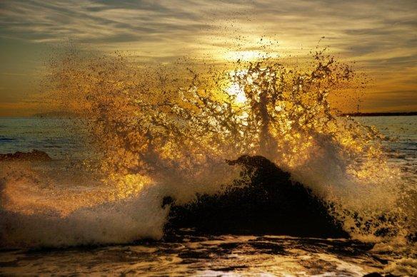 Frozen Wave at Sunset | Photography by ©@danielpeckham.jpg