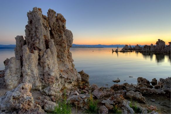 mono-lake-at-sunrise-photography-by-howardignatius