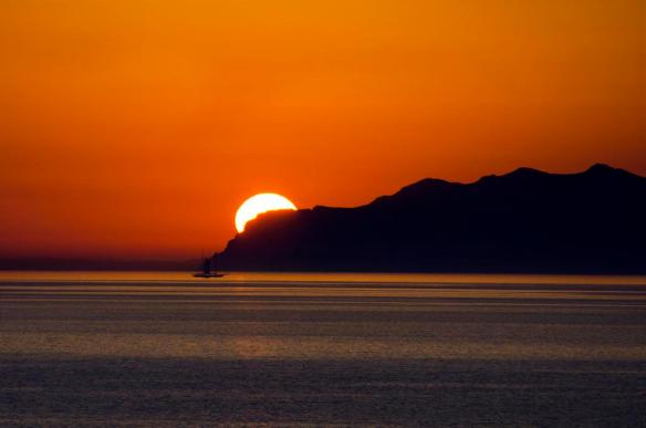 orange-filled-sunrise-in-corsica-france-photography-by-fougerouse-arnaud