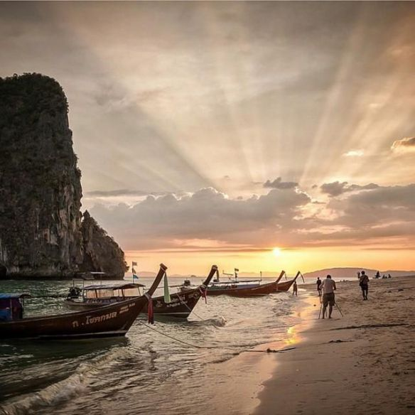 railay-beach-krabi-thailand-photography-by-samart-mektippachai
