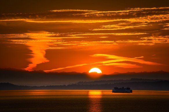 sunrise-in-port-townsend-ferry-washington-photography-by-howardignatius