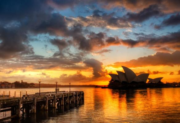 sunshine-behind-the-sydney-opera-house-photography-by-treyratcliff