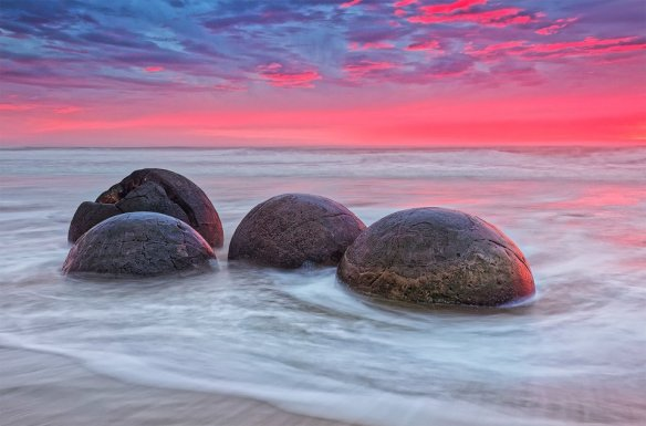 the-moeraki-boulders-a-large-spherical-stones-new-zealand-photography-by-bobby-barrameda