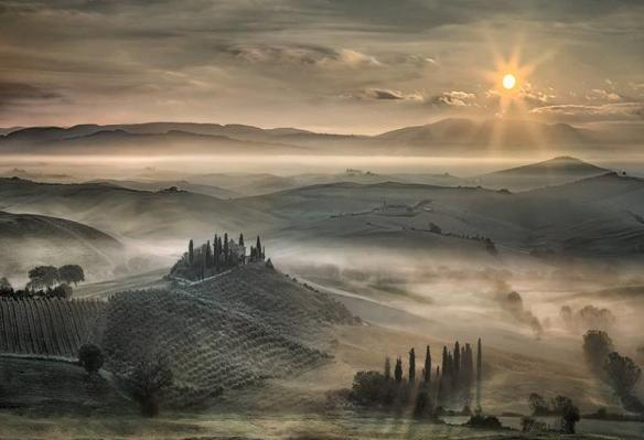 tuscan-morning-photography-by-christian-schweiger