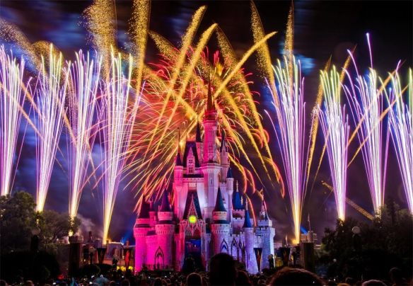 fireworks-at-the-happiest-place-on-earth-photography-by-tom-bricker