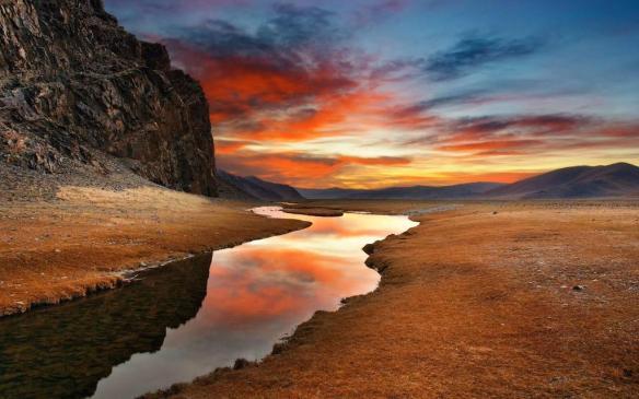 gobi-desert-located-between-china-and-mongolia-photography-by-robert-janicki