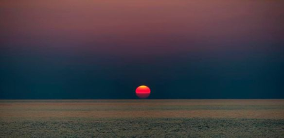 red-sunrise-in-corsica-photography-by-julien-sanine