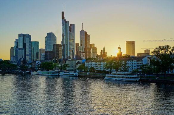 sunset-in-frankfurt-photography-by-martin-weinhardt