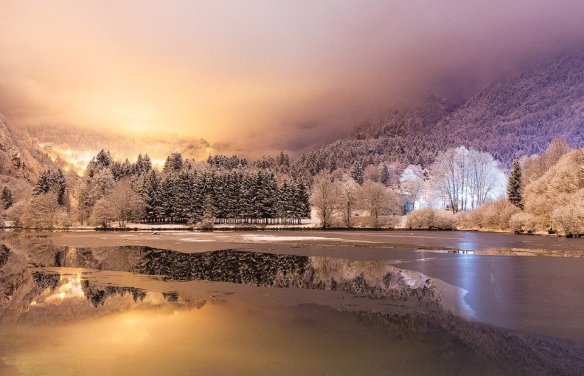 winter-night-scenery-at-lenna-lake-italy-photography-by-davide-arizzi