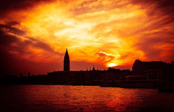 a-fire-sunset-over-venice-photography-by-treyratcliff