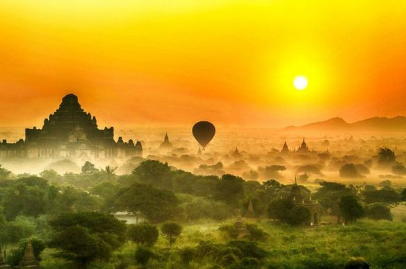 amazing-sunrise-in-bagan-myanmar-photography-by-larry-li