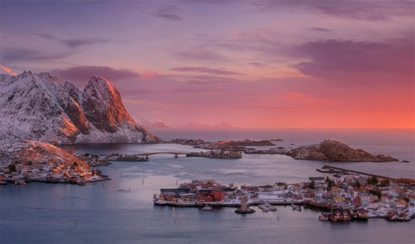 fishing-village-reine-norway-photography-by-dmitry-titov