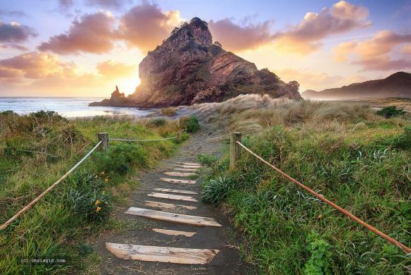sunset-at-piha-auckland-photography-by-chris-gin