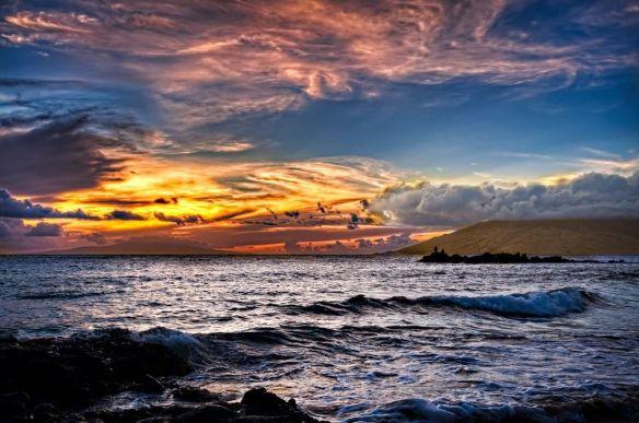 sunset-from-wailea-beach-in-maui-photography-by-john-maffei