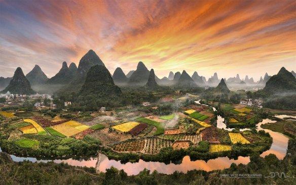 Colors Of Zhouzhai Village, China | Photography by ©Daniel Metz