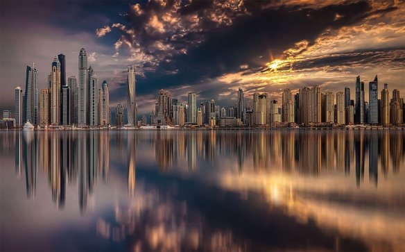 Dubai Skyline During Sunset | Photography by ©Karim Nafatni