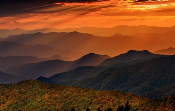 Cowee Mountain Overlook, North Carolina | Photography by ©Itai Minovitz